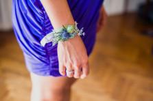 Bracelet bleu avec succulente, chardon et limonium